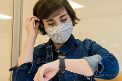 UF Health and UF computer scientists are developing a smartwatch app that notifies users when they touch their face. It's hoped the app will help prevent the spread of respiratory illness such as COVID-19 and the flu. (Photo by Lou Brems)